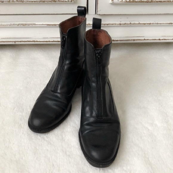80e02b88bcae Eddie Bauer Shoes - Eddie Bauer Zip Up Leather Ankle Boots Booties